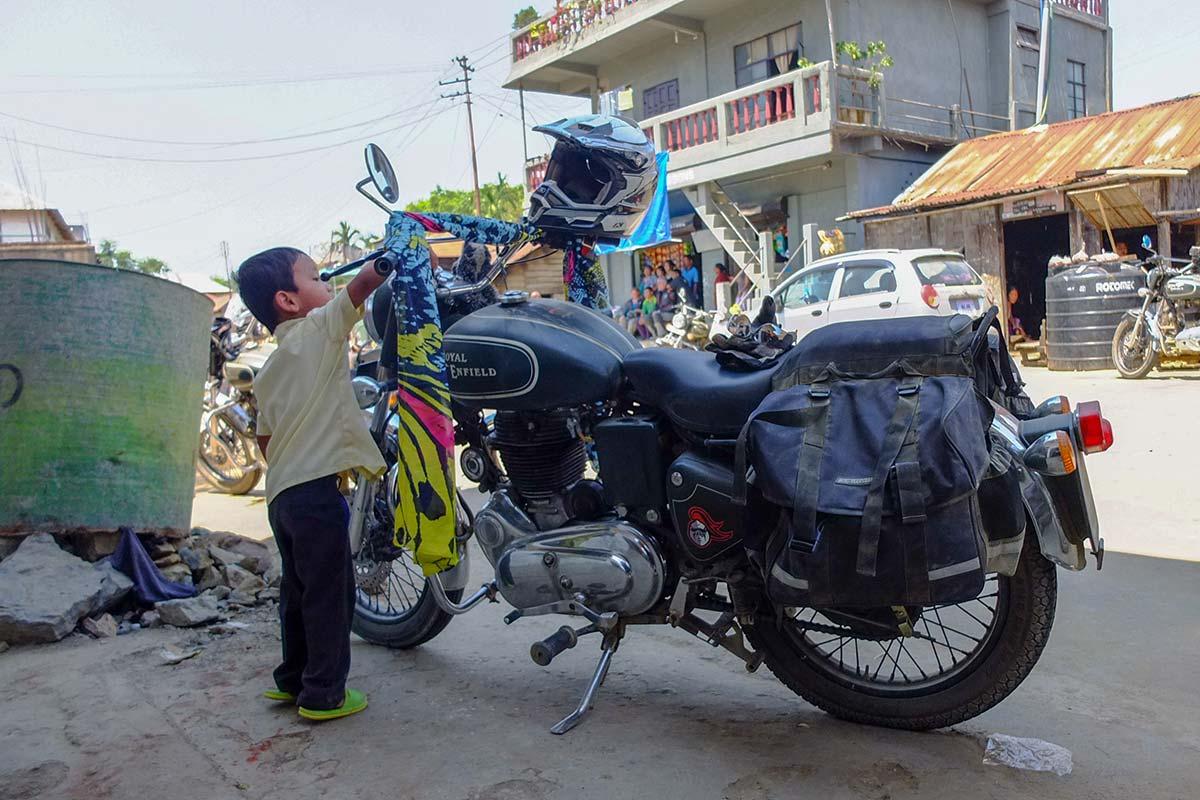 motorcycle adventure india