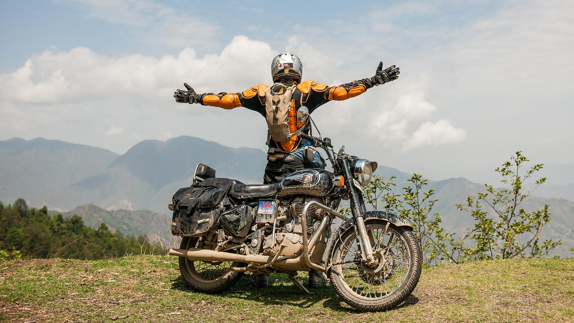 Nomadic Knights - India Motorcycle Adventure