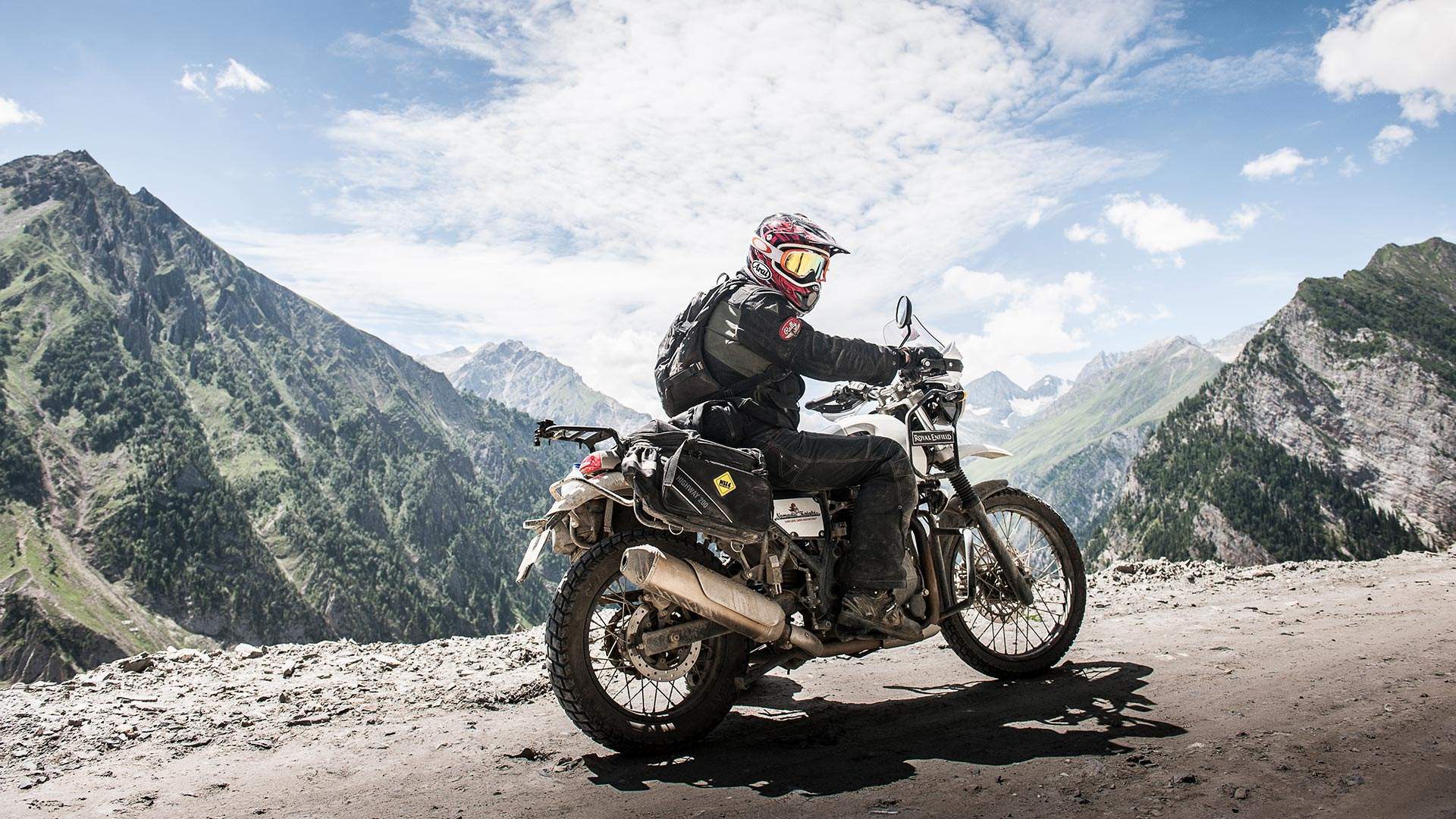 Nomadic Knights - Royal Enfield Tour